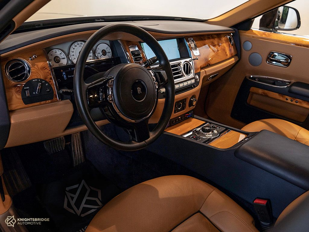 2014 Rolls-Royce Ghost at Knightsbridge Automotive - (10059 - 6)