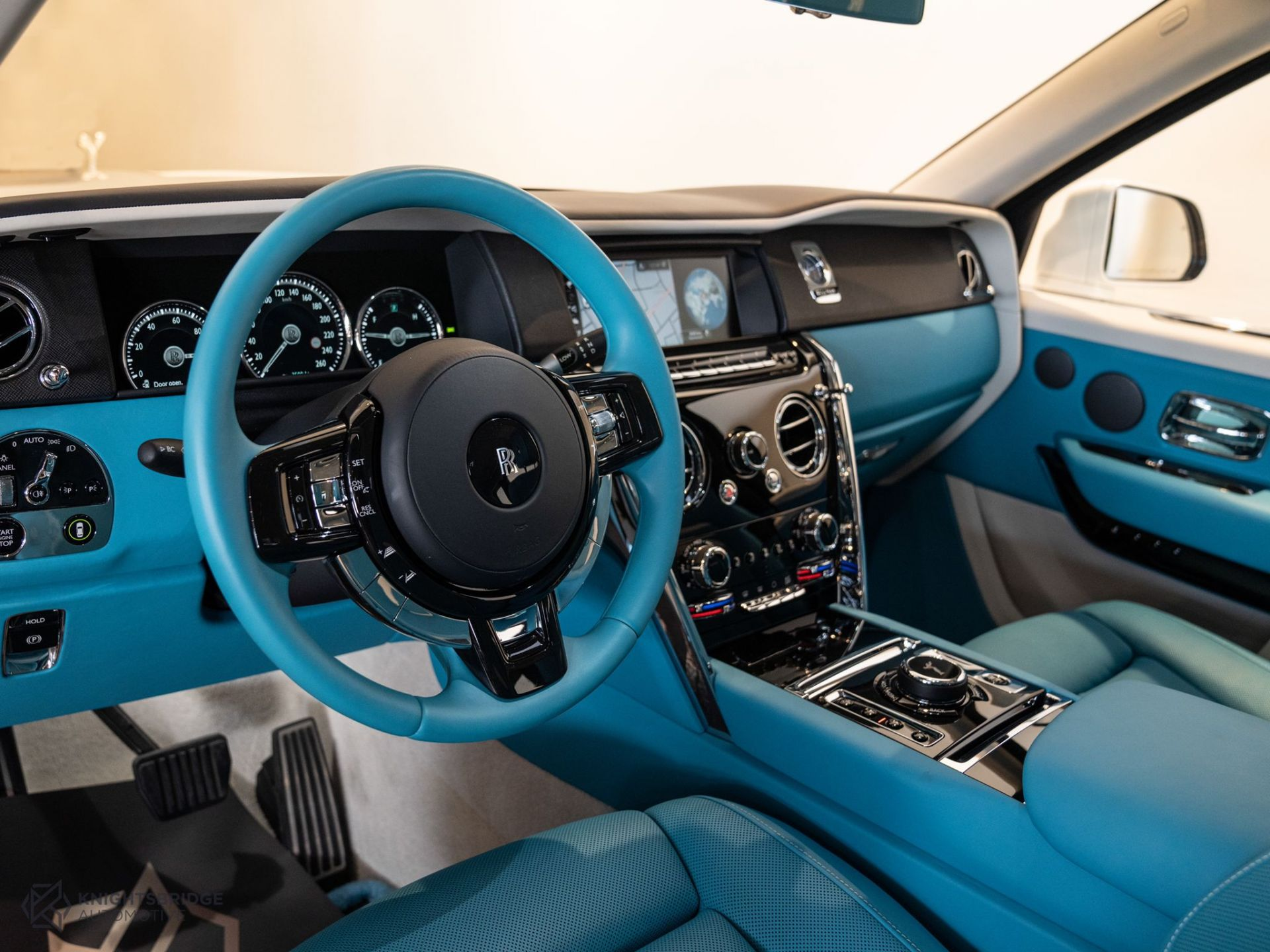 2021 Rolls-Royce Cullinan at Knightsbridge Automotive - (10061 - 6)